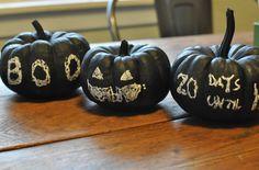 No-carve Halloween pumpkin ideas: Chalkboard pumpkins