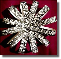 Find Zentangle patterns for Christmas, would make a cool ornament