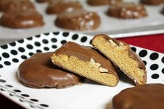 Homemade Peanut Butter Goo Goo Clusters