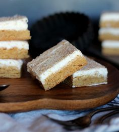 Cinnamon Roll Cookie Bars? Yum!