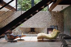 escada madeira + aço corten/ revestimento parede