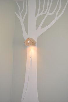 Leuke lamp voor op een #behangboom voor geschilderde boom op de muur | Nice lamp for the #kidsroom