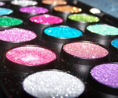 i want these, my eyes would be sparkly and spectacular haha :)