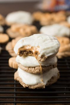 Pumpkin Spice Marshmallow #cookies with only 4 ingredients and a cream cheese frost...