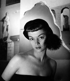 Jean Patchett, photo by Nina Leen, New York, 1948.