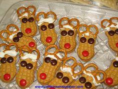 Reindeer christmas dinners, reindeer cookies, pretzel, christmas crafts, towel cakes, kid fun, food, cookie tray, snack