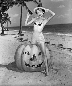 Halloween, Miami style, 1954