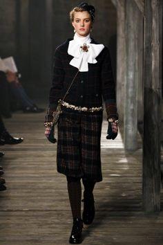 Pré-collection automne-hiver 2013-2014|11 #tartan, #tartanmania, #adore_tartan, #Caledonia, #Edinburgh, #Scotland, #Highlands, #chanel, #thistle