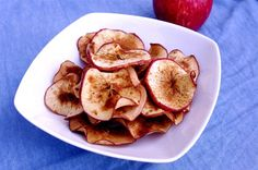 Crispy Cinnamon Apple Chips @ Nutritionist in the Kitch