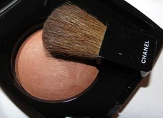 Chanel Brume d'Or Joues Contraste Powder Blush - Bombay Express de Chanel.  Click through for swatches and review!