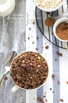 No-Bake Chocolate Lover's Granola I via chelseasmessyapron.com I #cleaneating