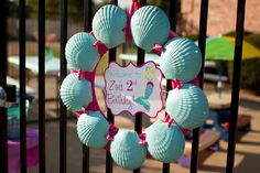 Mermaid Pool Party shell, mermaid parti, pool parties, little mermaid birthday, birthday parties, sea party, wreath, 2nd birthday, parti idea
