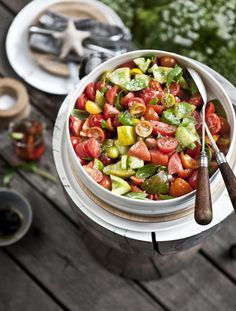 I could eat this entire bowl of fresh tomato salad...no, really! via @whatkatieate