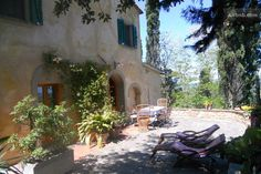 Beautiful private house , panorama in Terricciola from $90 per night