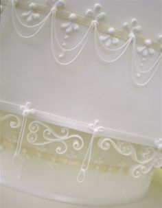 Intricate piping by Rosey Sugar