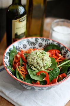 Avocado-Tuna Spinach Salad