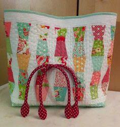Miss Rosie's Crumbler Templates make this precious tote bag! craft, polka dots, quilt, handbags, handbag clutch, charms, bag pattern, blog, tote bags