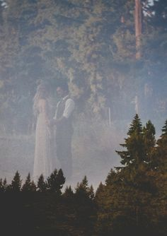 Oregon camp wedding | photo by Blue Window Photography | 100 Layer Cake