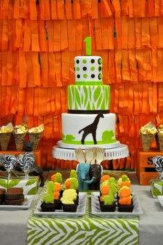 Safari themed 1st Birthday Party - adorableness from the always amazing Bottle Pop Parties!!!