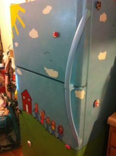 Love the painted refrigerator!
