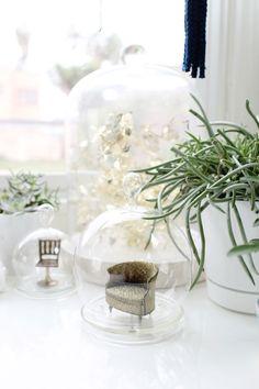 Desk apartment living room on pinterest parsons desk for Office plants no natural light