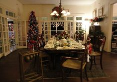 Start your Christmas festivities with a Holiday Tour of the Edison & Ford Winter Estates!