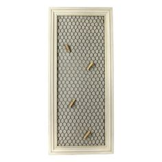 Studio Décor Viewpoint Savannah Open Frame With Chicken Wire - Here's a fun and easy way to display photos, children's artwork, notes and other odd and ends, such as ticket stubs. Simply clip the object to the chicken wire with a clothes pin and you are done!
