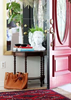 Hi Sugarplum | How to create a functional and welcoming Entrance Hall / Foyer in 5 Easy Steps!