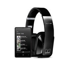 Nokia Lumia 820 + Wireless Stereo Headset by Monster