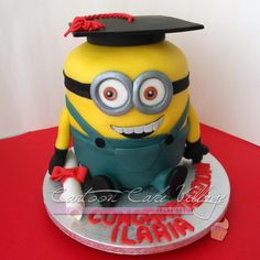 graduat minion, cartoon cake, tutori cake