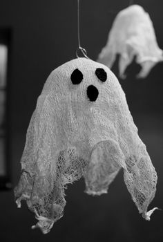 30 Easy Halloween Decorating Ideas Using Everyday Items | Apartment Therapy