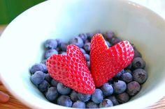 heart food lists, blueberri, breakfast healthy, stay fit, fruit bowls, healthy snacks, breakfast in bed, dinner recipes, strawberri