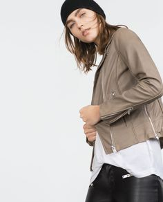Grey leather jacket: perfect topper for spring