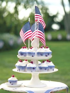 Berry cupcakes perfect for 4th July parties