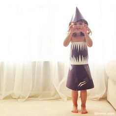 Mom and 4 year old make dresses together out of paper!!!! These are amazing!! This would be a cool shark Halloween costume but the other dresses they create are awesome too!