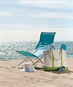 Tips for packing your beach bag