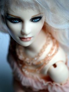 About Ashleigh Glamour BJD: Ashleigh Ultimate Glamour BJD
