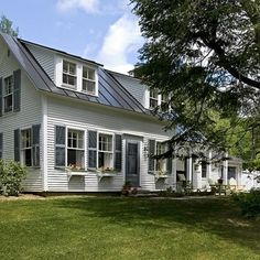 This whole house is sooo pretty! Antique Cape, Norwich VT