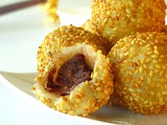 Jian Dui 煎堆 - Sesame seed ball filled with red bean paste -- my childhood Chinese bakery favorite.