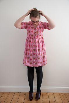 megan nielsen's darling ranges dress in anna maria horner's loulouthi voile