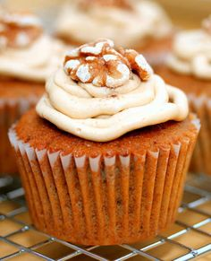 Coffee Walnut Cupcakes1