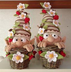 craft, pattern, garden gnomes, strawberries, crochet gnome, gardens, yarn, elves, amigurumi
