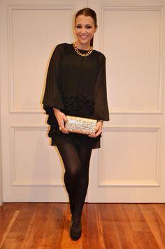 Paula Echevarría lleva vestido negro de Topshop y zapatos Louboutin. Más detalles sobre su look en su blog http://paula-echevarria.blogs.elle.es/2012/03/29/nights-in-black/