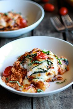 For when I'm feeling like I need some cheese in my life: Creamy Caprese Quinoa Bake | halfbakedharvest.com/