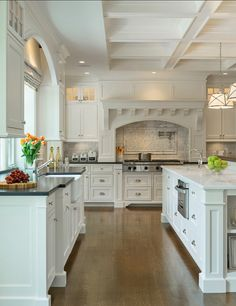 White Kitchen. This classic white kitchen is very inspiring. I love its timeless design. #WhiteKitchen #Kitchen #ClassicKitchen #KitchenDesign