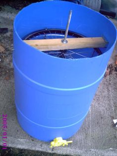 How to Build a Honey Extractor! This guy's a genius! As soon as I get bees, I'm going to try this, because the extractors you can buy online are just WAY too expensive! And recycling materials (like bike wheels) is awesome! Beekeeping Diy, Recycle Materials, Bikes Wheels, Bee Diy Honey, Diy Honey Extractor, Bees And Honey, Honey Bees, Animal, Honey Extractors