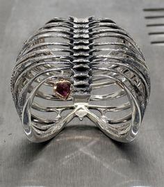 Ribcage ring