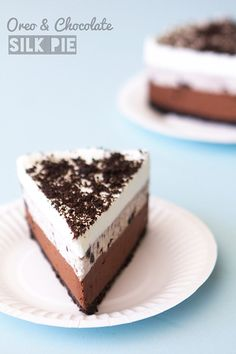 Cool down with this delicious no-bake Oreo and Chocolate Silk Pie