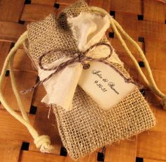 Burlap favor bags...perfect for the rustic wedding.
