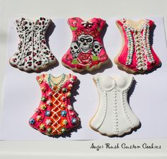Corset  Cookies By: Sugar Rush Custom Cookies Repinned By:#TheCookieCutterCompany www.cookiecuttercompany.com #cookie #corset #ideas